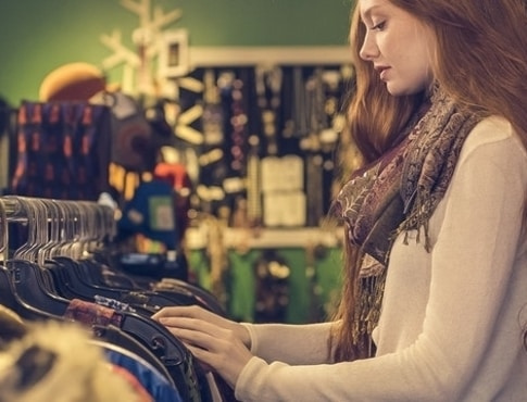 Ways to Trim Your Holiday Expenses This Year | ApartmentSearch